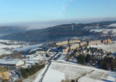 Blick auf Oberwiesenthal aus der Schwebeban